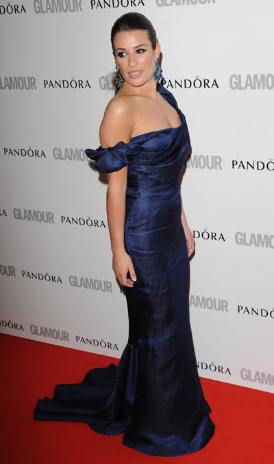 Makeup colors for navy blue dress