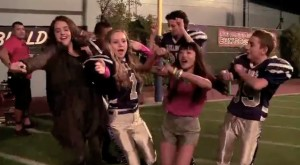 """EXCLUSIVE: """"Bella and the Bulldogs"""" Music Video!"""